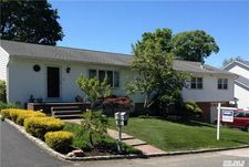 96 Lake Shore Dr, Ronkonkoma, NY 11779