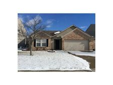5643 N Jefferson Dr, Mccordsville, IN 46055