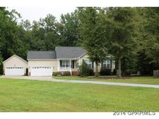 95 Pirate Cove Rd, Washington, NC 27889