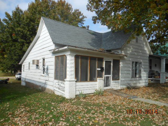 810 4th st monett mo 65708 3 beds 1 baths home details for The family room monett mo