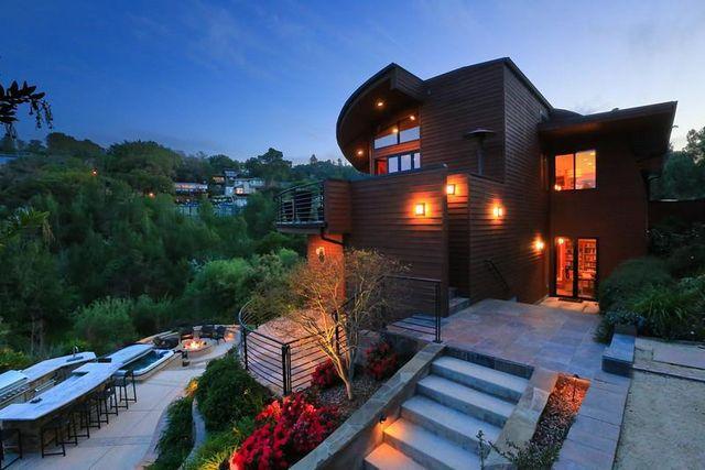 Emerald Hills real estate