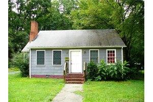1213 Meadow Ln, Charlotte, NC 28205
