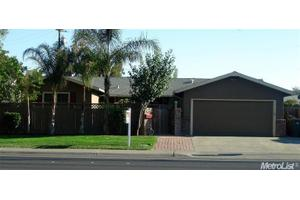 808 Gibson Rd, Woodland, CA 95695