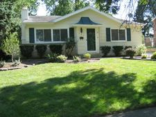 675 Leslie Ln, Glendale Heights, IL 60139