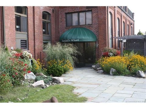 17 Water St Unit A8, Groton, CT 06355