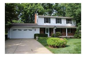 1227 Arndale Rd, Stow, OH 44224