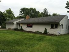7287 Hickory Ln, Seven Hills, OH 44131