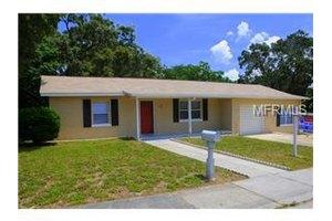 611 Pine St, Tarpon Springs, FL 34689