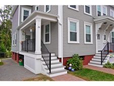24 Columbia St, Portsmouth, NH 03801