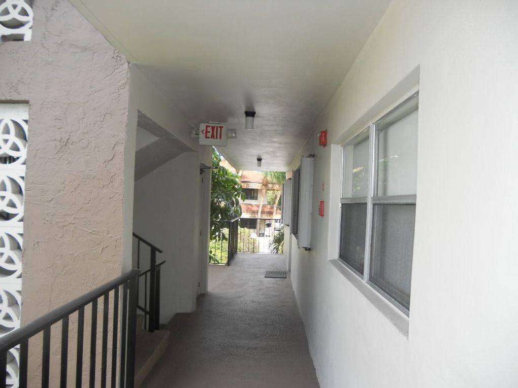 2000 S Federal Hwy Apt 202 Boynton Beach, FL 33435
