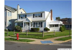51 Harvard Ave, Point Pleasant Beach, NJ 08742