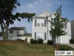 5005 Snowdrop Dr, Charlotte, NC 28215 Main Gallery Photo#1