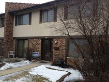 10 Tower Ct, Downers Grove, IL 60516