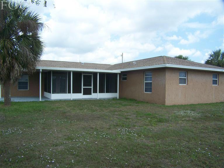904 Sunniland Blvd, Lehigh Acres, FL 33971
