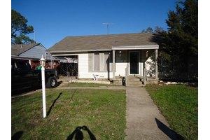 2208 Fincher Rd, Haltom City, TX 76117