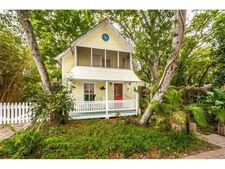 27 Lemon St, Palm Harbor, FL 34683