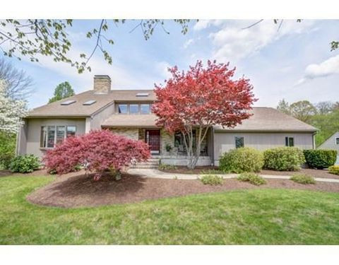 11 Overlook Dr, Sutton, MA 01590