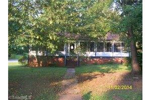 4910 Shady Pine Dr, Greensboro, NC 27455