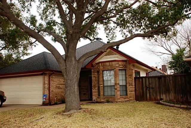 2542 Millcroft Ln, Carrollton, TX 75006