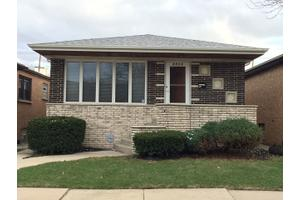 6913 W 64th St, Chicago, IL 60638