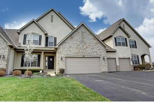 6682 Knoll View Ct, Powell, OH 43065