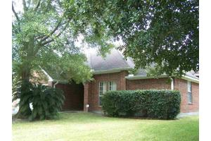4718 Old Oak Dr, Orange, TX 77632