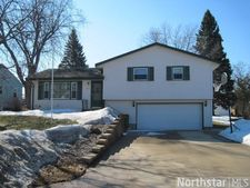 1822 12Th St E, Glencoe, MN 55336