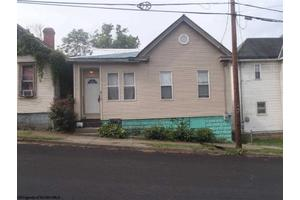 510 6th St, Fairmont, WV 26554