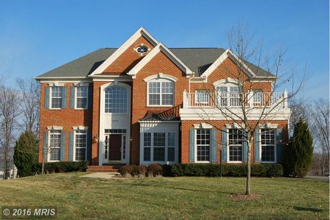 22554 Forest Run Dr, Ashburn, VA 20148