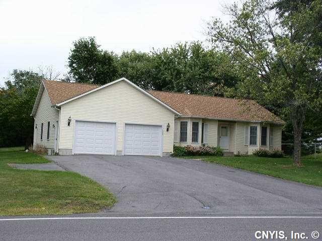106 Knowell Rd, Camillus, NY 13031