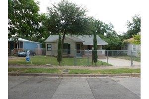 2821 Mitchell Ave, Waco, TX 76708