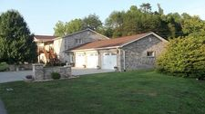 104 Speedway Rd, Lost Creek, KY 41348