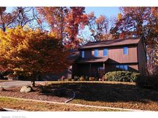 141 Knollwood Rd, Manchester, CT 06042