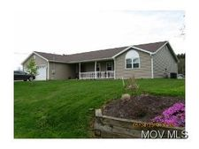 95 Meadowbrook Dr, Waterford, OH 45786