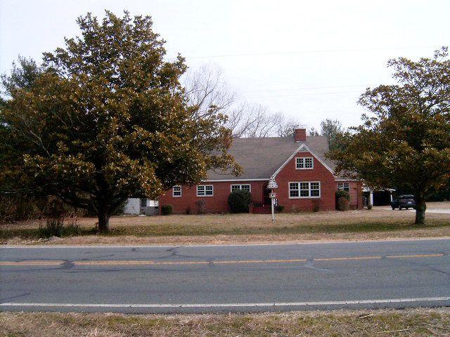713 S Main St, Candor, NC 27229