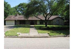 5512 Valerie St, Houston, TX 77081