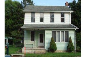 902 Maidencreek Rd, Fleetwood, PA 19522