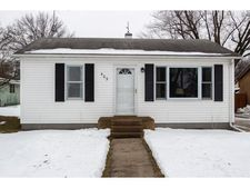 405 E 6th St, Prairie City, IA 50228