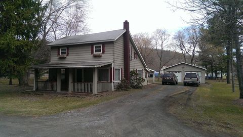16 English St, Wellsboro, PA 16901