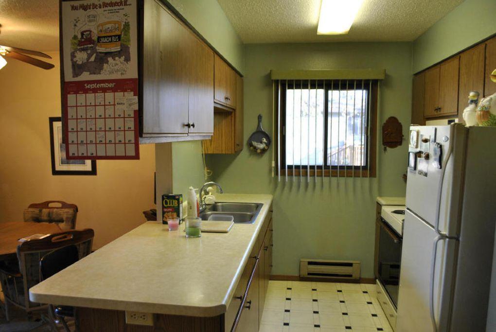 813 Prospect Ave, Grafton, ND 58237 - realtor.com®