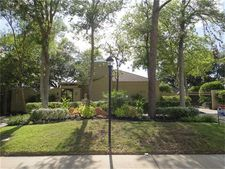 310 Briar Hill Dr, Houston, TX 77042