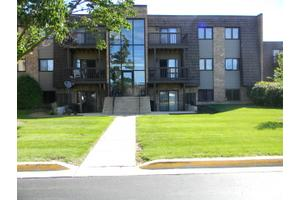 1424 Stonebridge Cir # L5, Wheaton, IL 60187