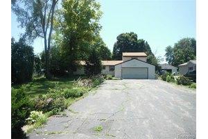41405 Edison Lake Rd, Van Buren Township, MI 48111