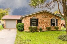 1424 Mimosa St, Cleburne, TX 76033