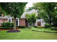 56056 Parkview Dr, Shelby Township, MI 48316