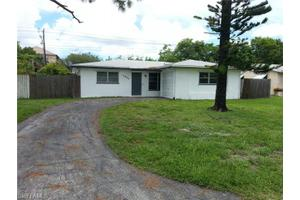 4838 West Dr, Fort Myers, FL 33907