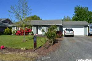 879 W 5Th St, Halsey, OR 97348