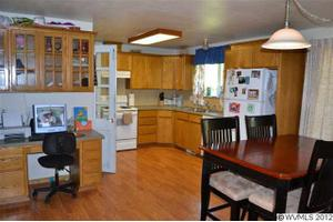 879 W 5Th St, Halsey, OR