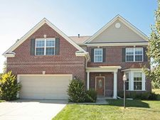 9676 Treyburn Lakes Dr, Indianapolis, IN 46239