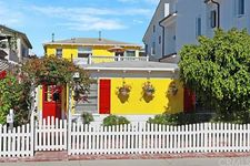 204 Collins Ave, Newport Beach, CA 92662